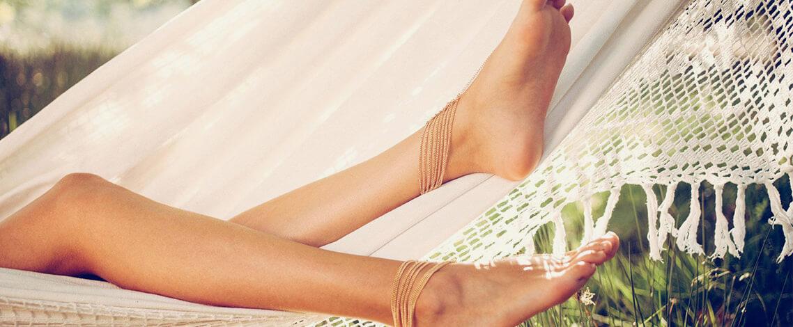gambe-gonfie-e-stanche-quali-sono-le-cause-e-come-migliorare-la-microcircolazione(1)